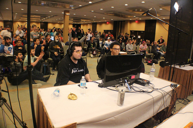 Ned beating Zero at Midwest Mayhem 8, with a huge Midwest crowd.